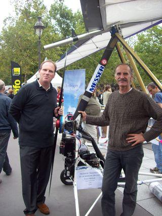 Photo Julien Irondelle et Gérard Thévenot avec son ULM électrique H2 13 septembre 2009 Paris